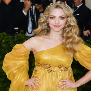 NEW YORK, NY - MAY 07:  Amanda Seyfried attends the Heavenly Bodies: Fashion & The Catholic Imagination Costume Institute Gala at Metropolitan Museum of Art on May 7, 2018 in New York City.  (Photo by George Pimentel/Getty Images)