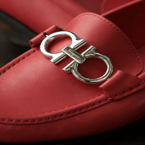 Salvatore_Ferragamo_Shoes_capa